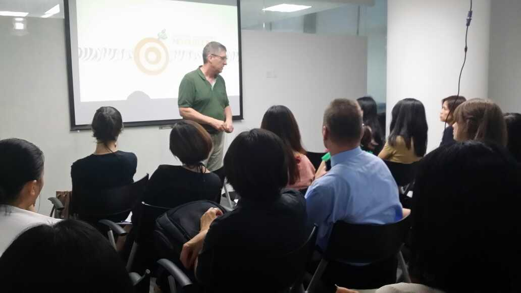 Lee Featherby presenting in Shanghai in July '14